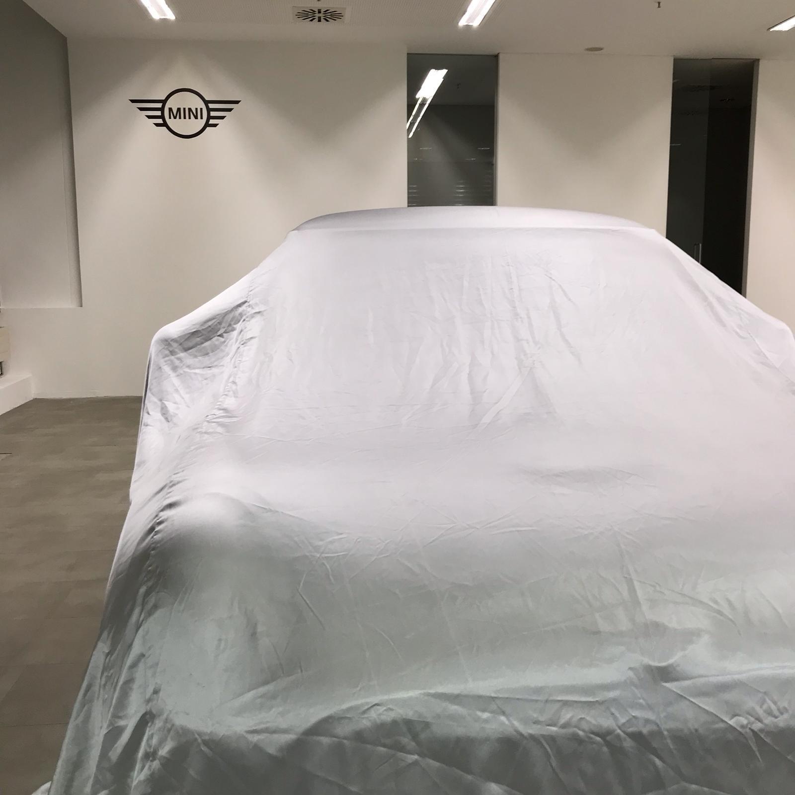 Autohaus Hofmann hat ersten MINI PopUp-Store in Bayern eröffnet